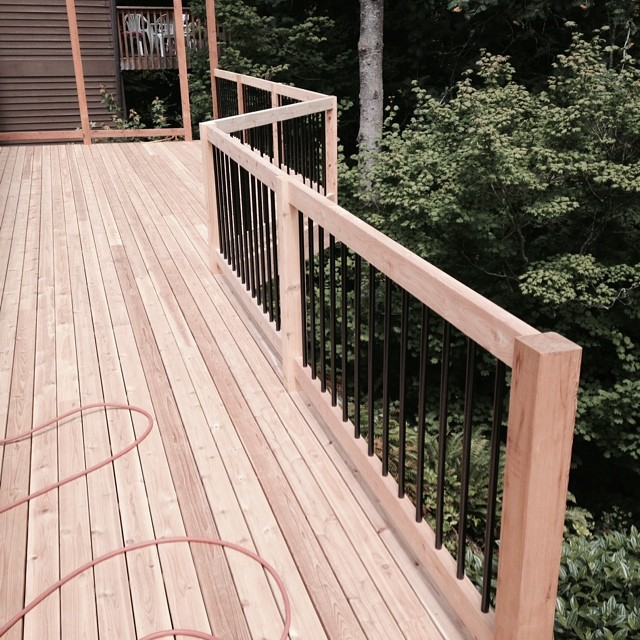custom deck rail